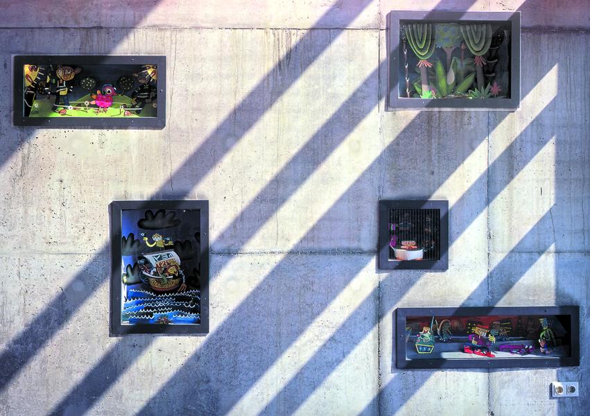 Schaukästen im Foyer, Künstler Jim Avignon